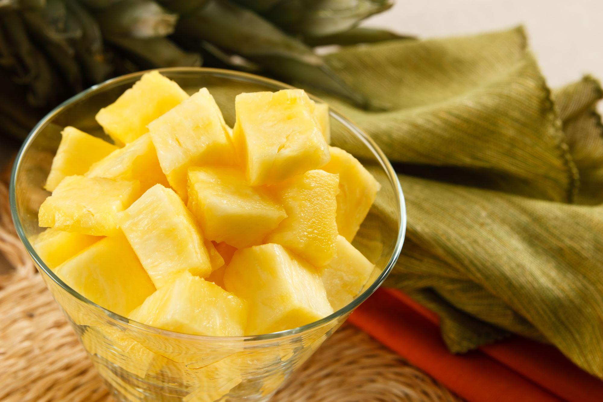Ananas marineret med ingefær
