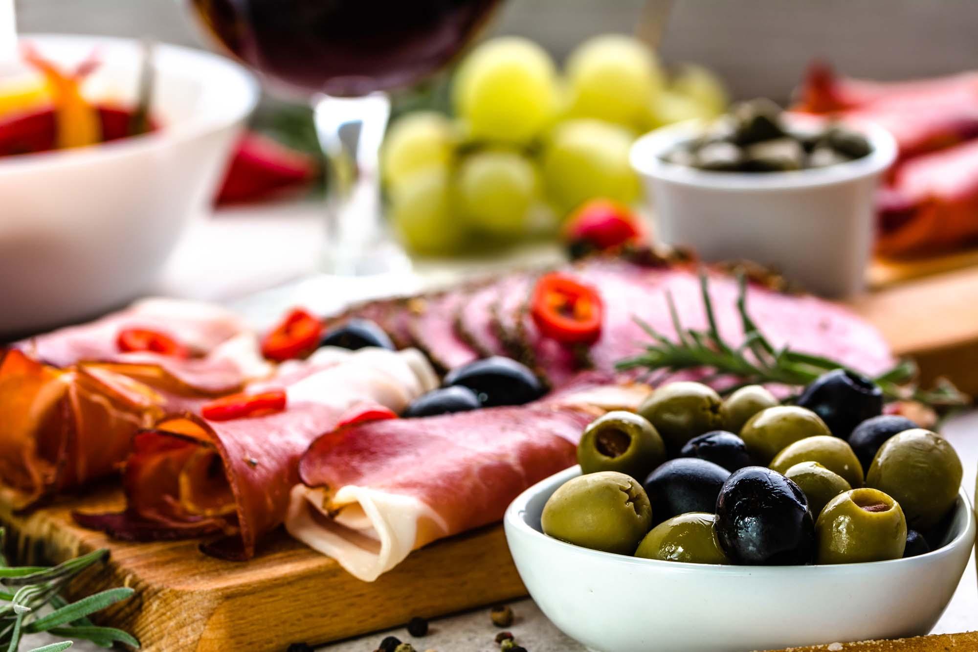 Parmaskinke med oliven