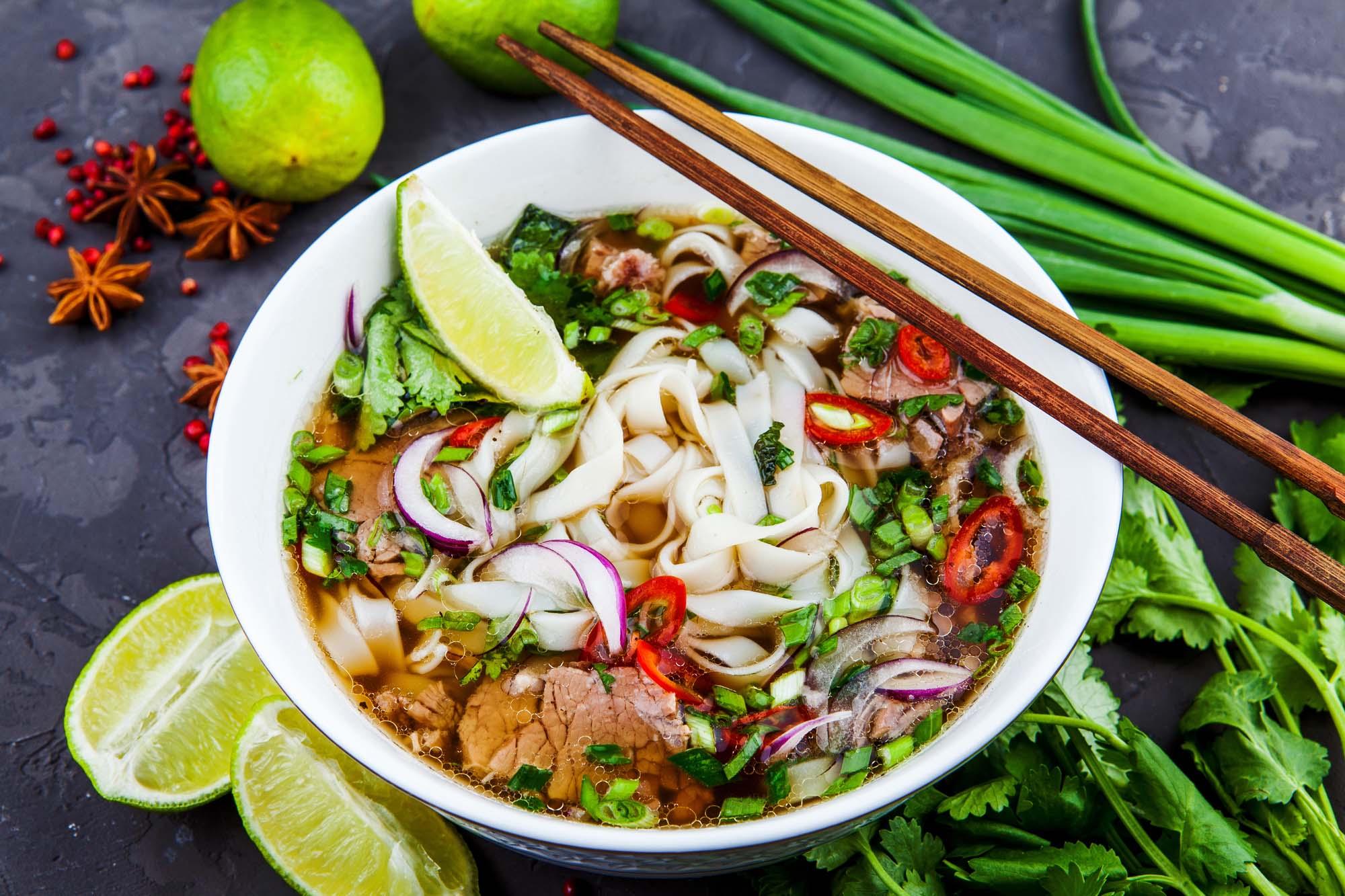 Asiatisk nudelsalat m. oksekød