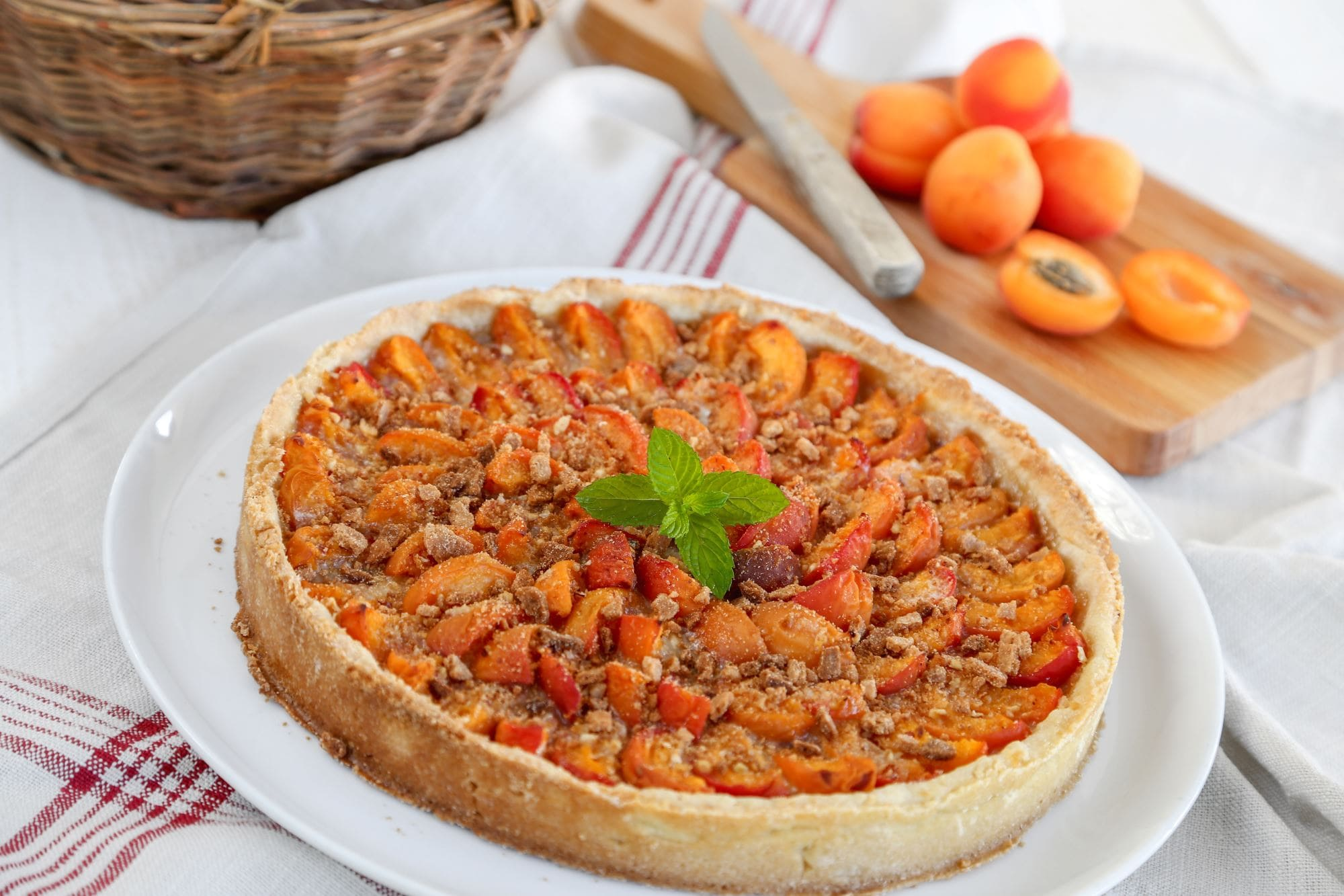 Abrikos- og valnøddetærte
