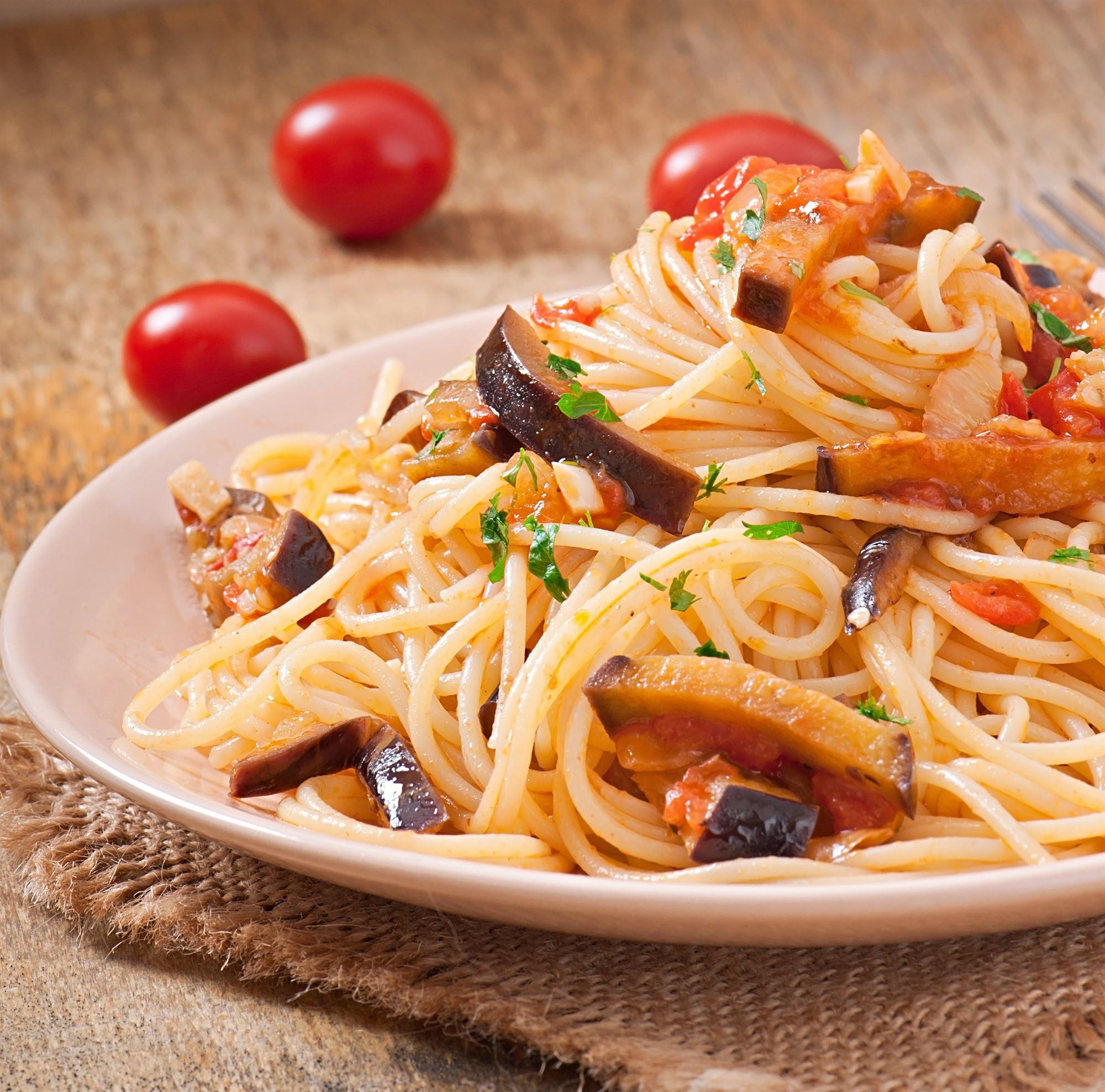 Spaghetti med aubergine og citron